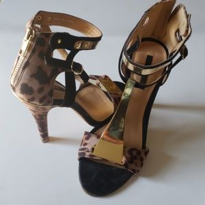 XXI Heels leopard shoes size 6